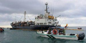 El Carguero Floreana Encallado Frente A La Isla San Cristóbal