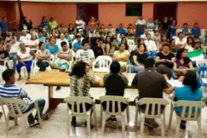 Galápagos Citizens Meet In San Cristobal Tuesday Eveningto Study Changes In The Law